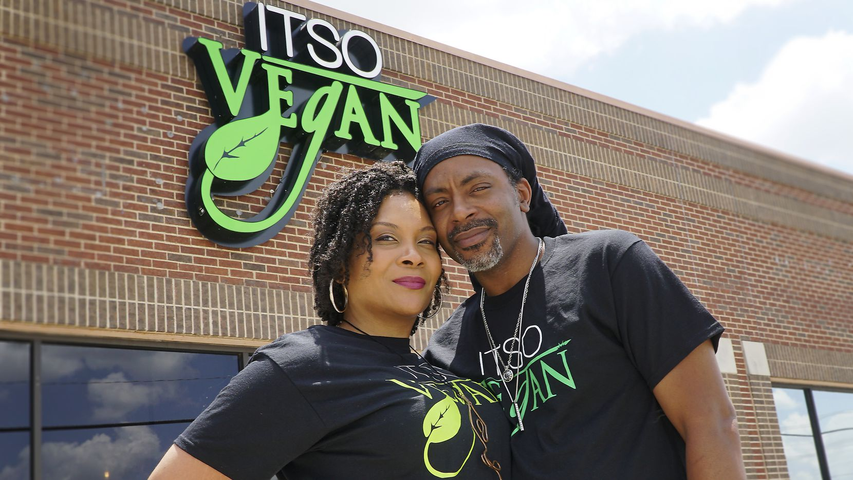 """Amiya and Tytus Cleveland at their restaurant """"ITSO Vegan""""  in Grand Prairie, Texas on Monday, July 20, 2020."""