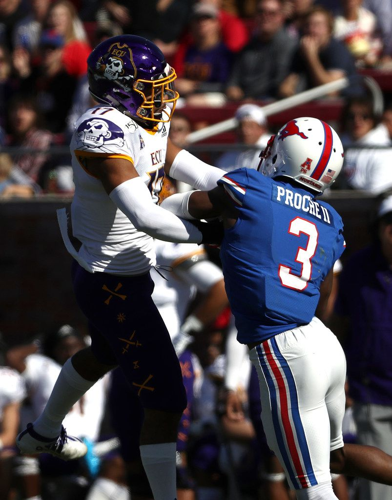 DALLAS, TEXAS - NOVEMBER 09:  James Proche #3 of the Southern Methodist Mustangs makes a pass reception against Warren Saba #17 of the East Carolina Pirates in the first half at Gerald J. Ford Stadium on November 09, 2019 in Dallas, Texas. (Photo by Ronald Martinez/Getty Images)