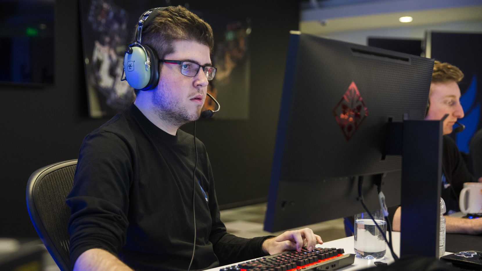 """Dallas Fuel's William """"Crimzo"""" Hernandez  practices on Wednesday, January 29, 2020 at Envy Gaming headquarters in Dallas. (Ashley Landis/The Dallas Morning News)"""