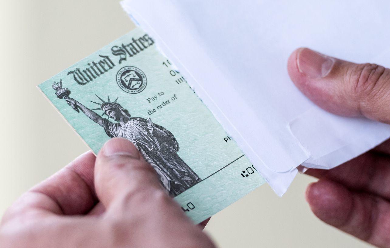 Un cheque enviado por el Departamento del Tesoro de Estados Unidos.