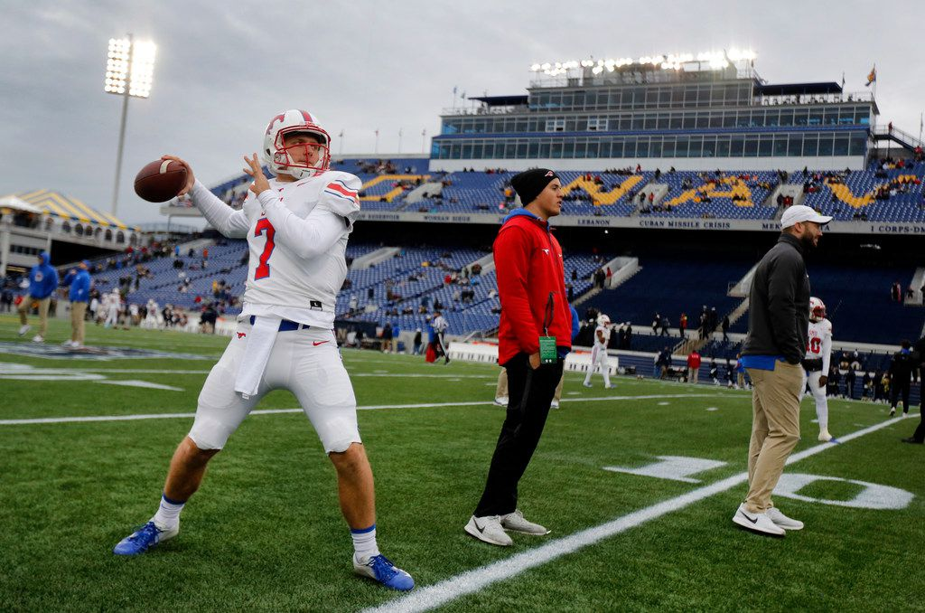 1Southern Methodist Mustangs quarterback Shane Buechele (7) throws passes during pregame warmups before facing Navy at Navy-Marine Corps Memorial Stadium in Annapolis, Maryland, Saturday, November 23, 2019. (Tom Fox/The Dallas Morning News)