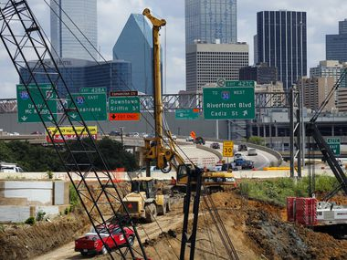 A joint venture between Fluor and Balfour Beatty rebuilt the northbound Interstate 35E bridge leading to downtown Dallas, a part of the massive Dallas Horseshoe Project.