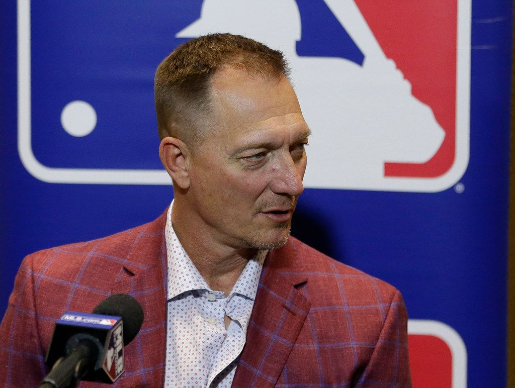Jeff Banister, manager of the Texas Rangers, talks with members of the media at the MLB baseball winter meetings Tuesday, Dec. 12, 2017, in Orlando, Fla. (AP Photo/John Raoux)