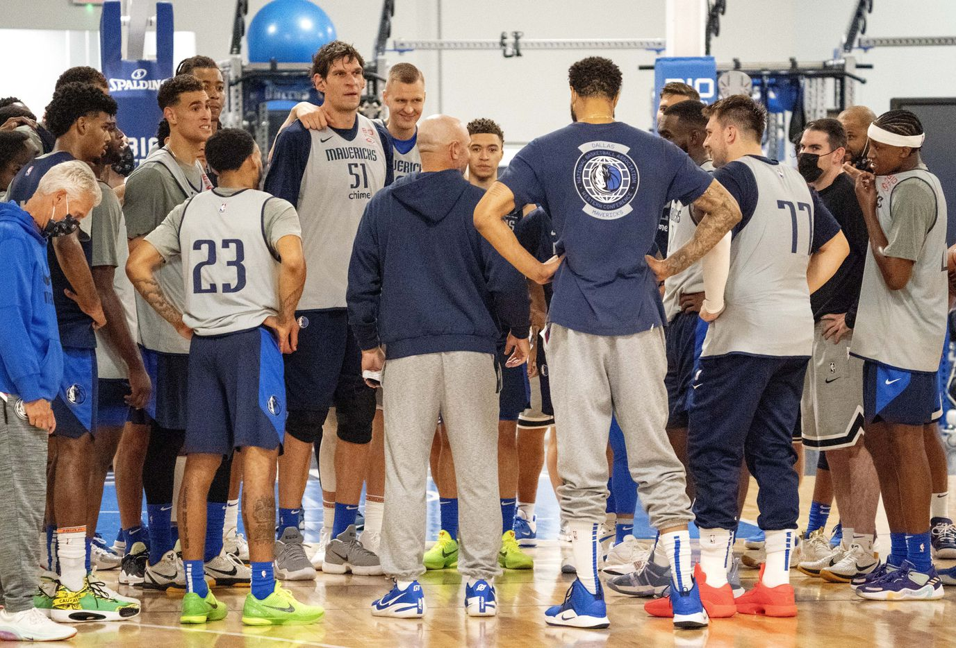 Dallas Mavericks head coach Jason Kidd, center, speaks to his team after a scrimmage during their first practice of training camp, Tuesday, September 28, 2021 at the Dallas Mavericks Training Center in Dallas. (Jeffrey McWhorter/Special Contributor)