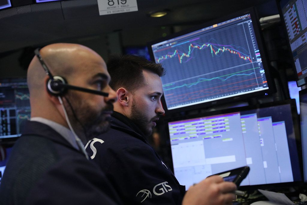NEW YORK, NY - FEBRUARY 05:  Traders work on the floor of the New York Stock Exchange (NYSE) on February 5, 2018 in New York City. Following Fridays's over 600 point drop, the Dow Jones Industrial Average fell over 300 points after the Opening Bell.  (Photo by Spencer Platt/Getty Images)