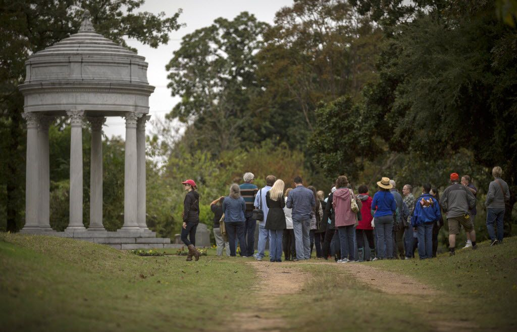 The Pires rotunda, visited by a group in 2015 that came to the Oakland Cemetery as part of a Dallas Historical Society tour.