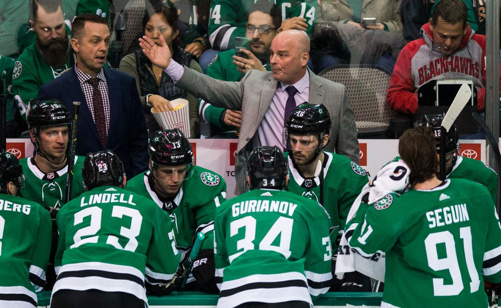 Dallas Stars head coach Jim Montgomery talks to his team during the second period of an NHL game between the Dallas Stars and the Chicago Blackhawks on Thursday, December 20, 2018 at American Airlines Center in Dallas. (Ashley Landis/The Dallas Morning News)