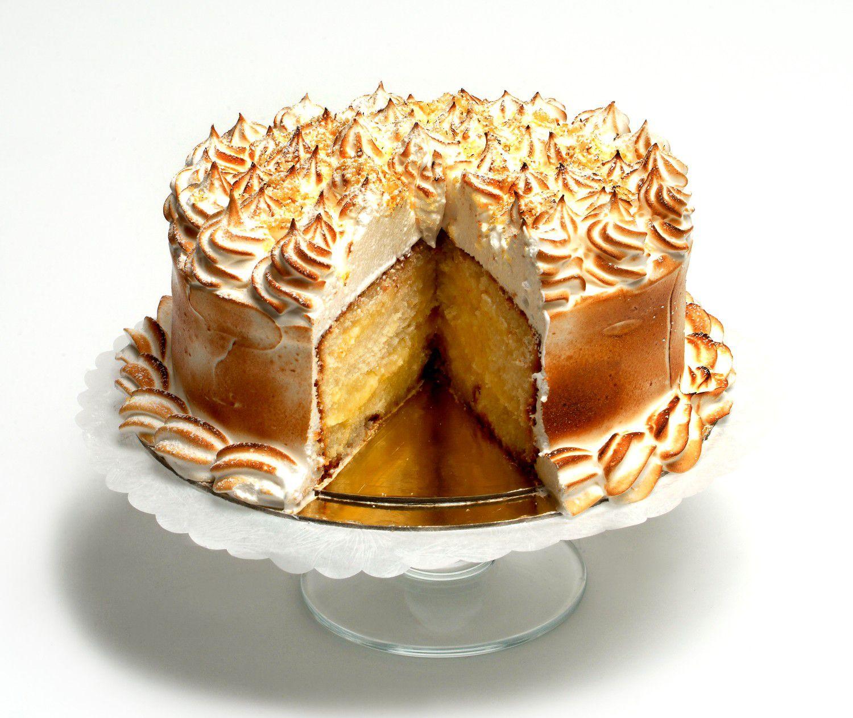 La Duni offers lemon cake this holiday season.