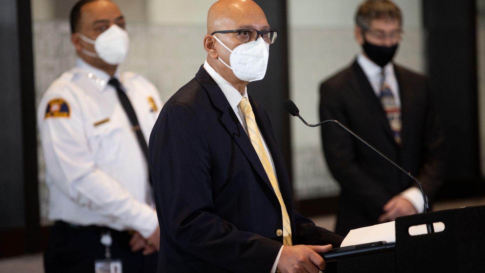 El director de Manejo de Emergencias de Dallas, Rocky Vaz, se dirigió a los medios durante una rueda de prensa esta semana.