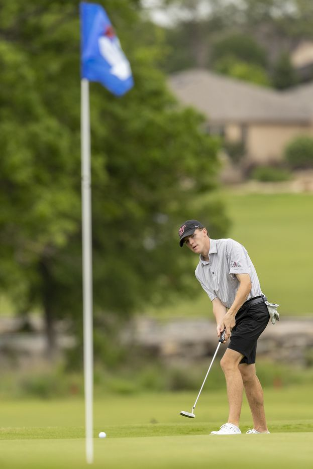 Lucas LovejoyÕs Jay Pabin putts on the 9th green during round 1 of the UIL Class 5A boys golf tournament in Georgetown, Monday, May 17, 2021. (Stephen Spillman/Special Contributor)