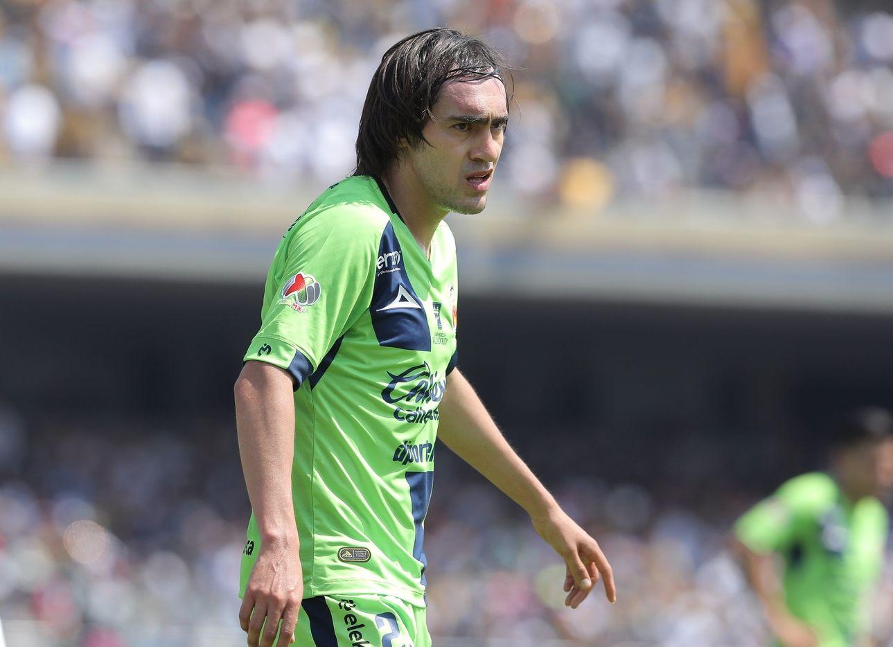 """El lateral izquierdo José Joaquín """"Shaggy"""" Martínez llega a Cruz Azul para el siguiente torneo de la Liga MX."""
