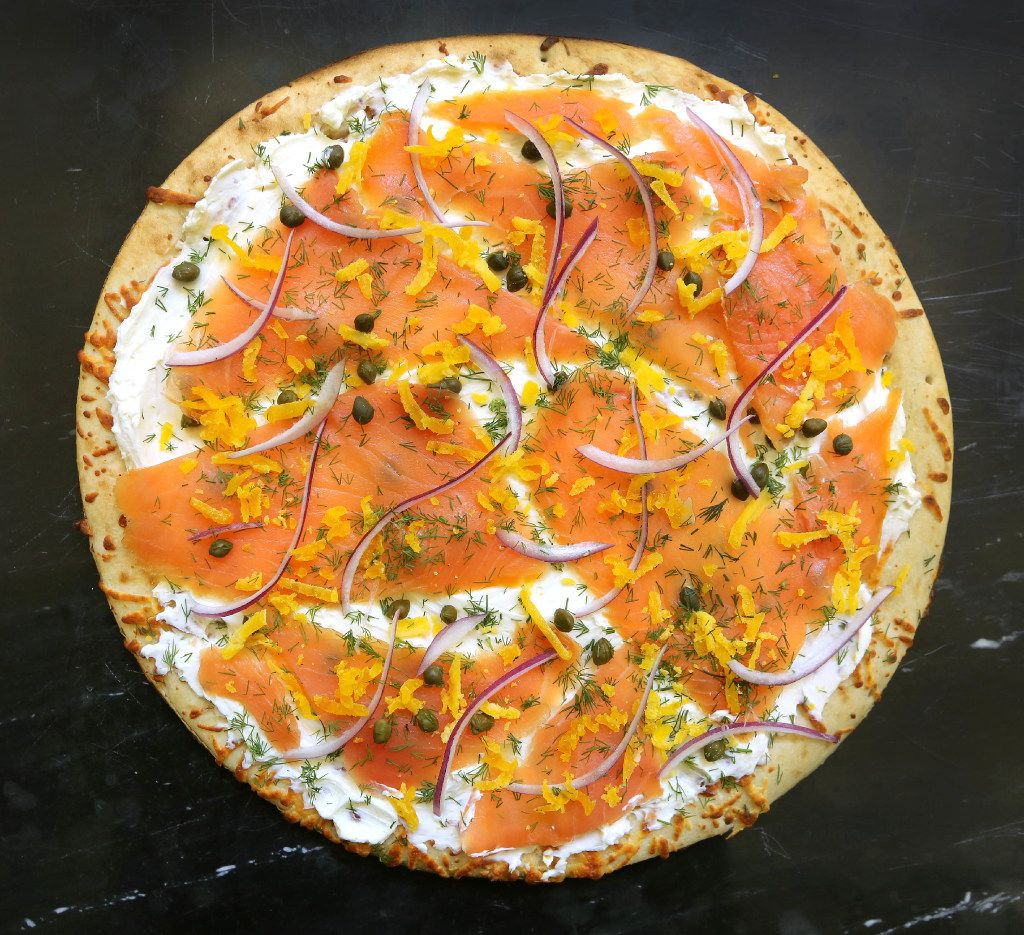 Smoked salmon and creamy goat cheese pizza