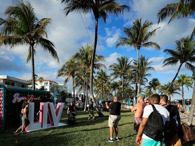 Turistas de todo el mundo y aficionados de la NFL han llegado a Miami para disfrutar el ambiente del Super Bowl LIV.