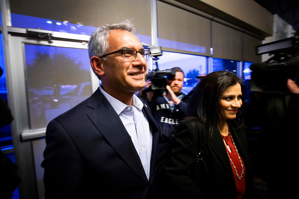 Executive committee members voted to keep surgeon Shahid Shafi in his role in a meeting Thursday evening that was closed to the media at Faith Creek Church in Richland Hills.