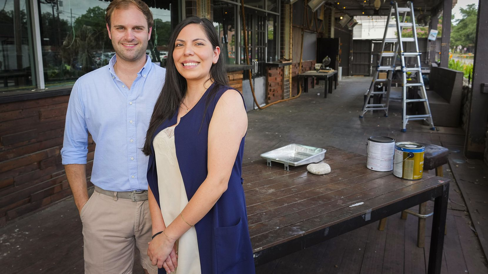 Jeff Karetnick and April Segovia have signed a lease to open Belgian bar Meyboom Brasserie at 2100 Greenville Avenue in Dallas, where Ragin' Crab Cafe used to be.