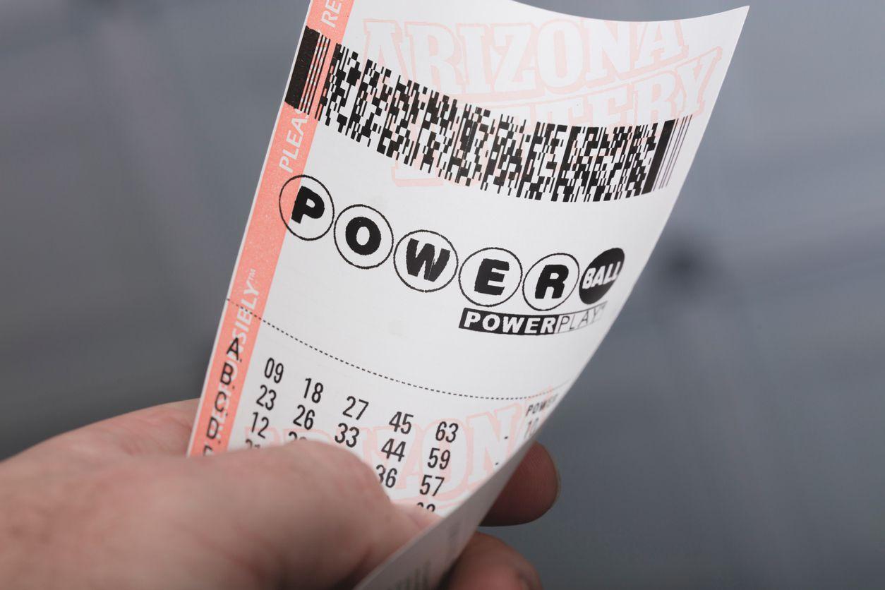 Un boleto para la lotería de Powerball, un sorteo nacional en Estados Unidos.