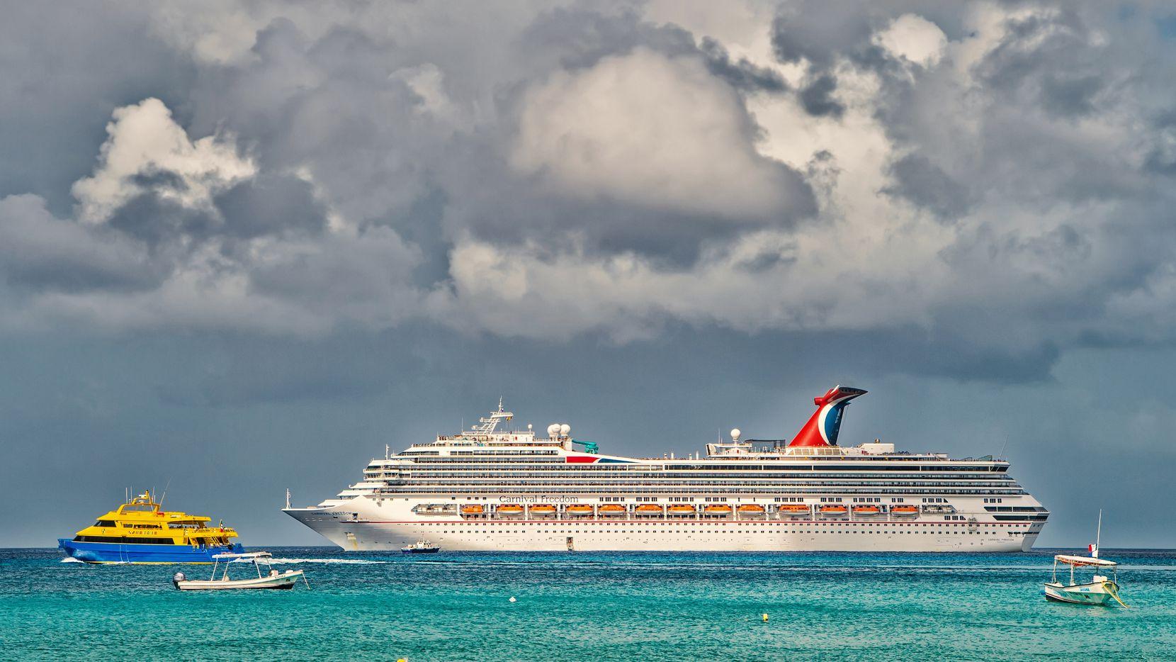 Un crucero de Carnival de visita en el puerto de Cozumel, México.