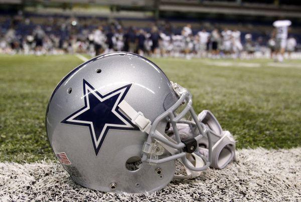 Los Cowboys de Dallas reconocen el sacrificio de los trabajadores de la salud durante la pandemia del coronavirus.