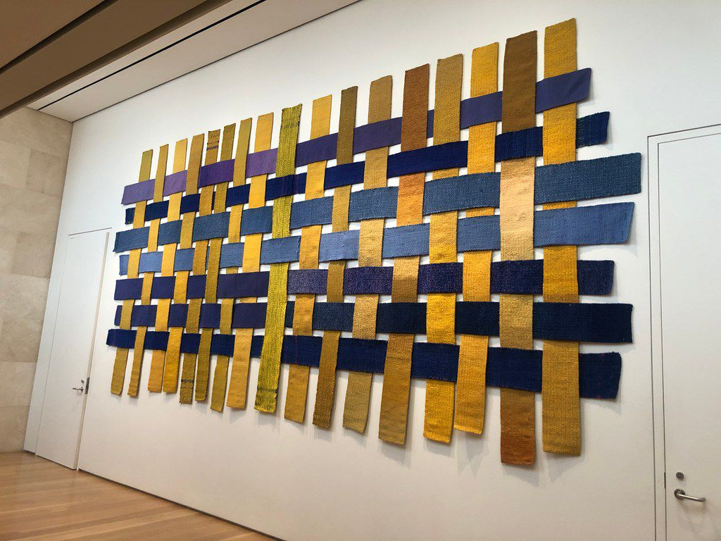 'Chaine et trame interchangeable' by Sheila Hicks