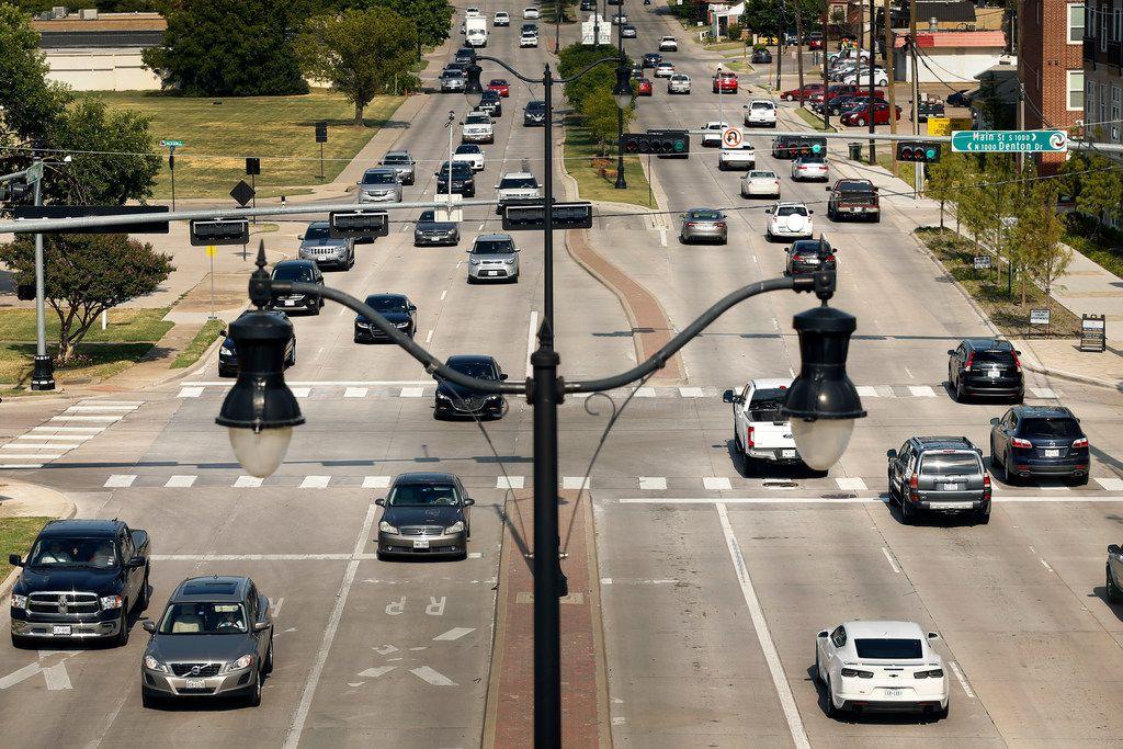 Rush hour traffic along Belt Line Road in Carrollton.