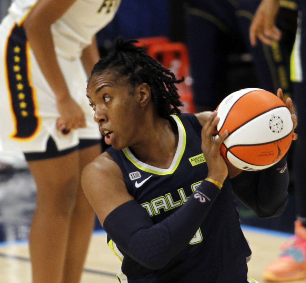 Dallas Wings forward Kayla Thornton (6) looks to pass inside during first half action against the Indiana Fever. Dallas lost to Indiana 83-81. The Dallas Wings hosted the Indiana Fever for their WNBA game held at College Park Center on the campus of UT-Arlington on August 20, 2021. (Steve Hamm/ Special Contributor)