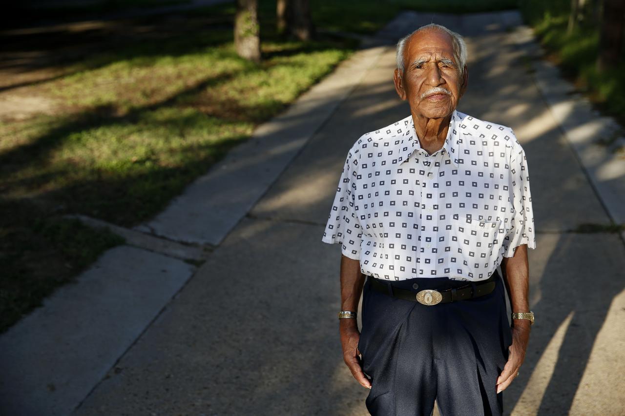 Félix Lozada, de 94 años, también fue un héroe de la Segunda Guerra Mundial. (DMN/ANDY JACOBSOHN)