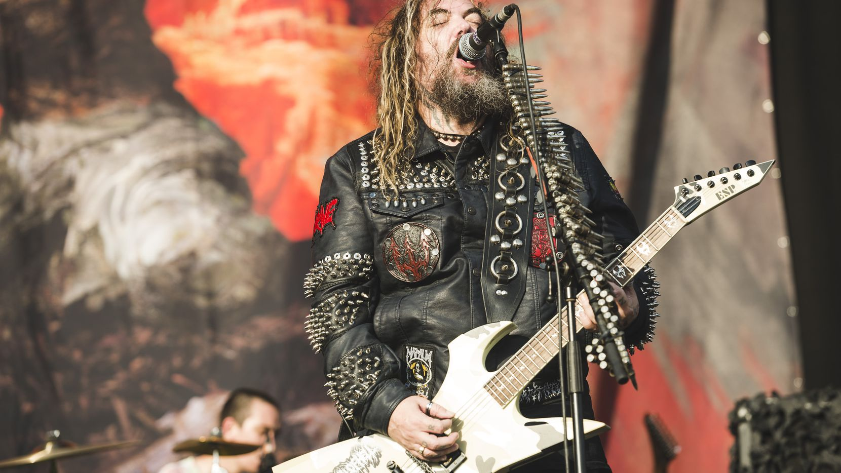 MADRID, SPAIN - JUNE 30: Max Cavalera of Soulfly performs on stage during day 3 of Download festival 2019 at La Caja Magica on June 30, 2019 in Madrid, Spain. (Photo by Mariano Regidor/Redferns)