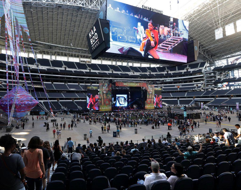 Pitbull performs during Kaaboo Texas at AT&T Stadium in Arlington on May 12, 2019.