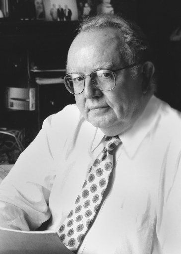 Dr. Robert McClelland joined the faculty at UT Southwestern and Parkland in 1962 and spent his entire career there.