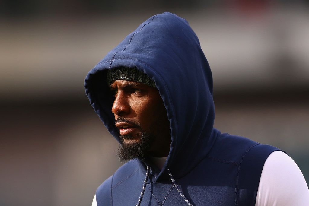 PHILADELPHIA, PA - DECEMBER 31:  Wide receiver Dez Bryant #88 of the Dallas Cowboys looks on during warmups before playing against the Philadelphia Eagles at Lincoln Financial Field on December 31, 2017 in Philadelphia, Pennsylvania.  (Photo by Mitchell Leff/Getty Images)