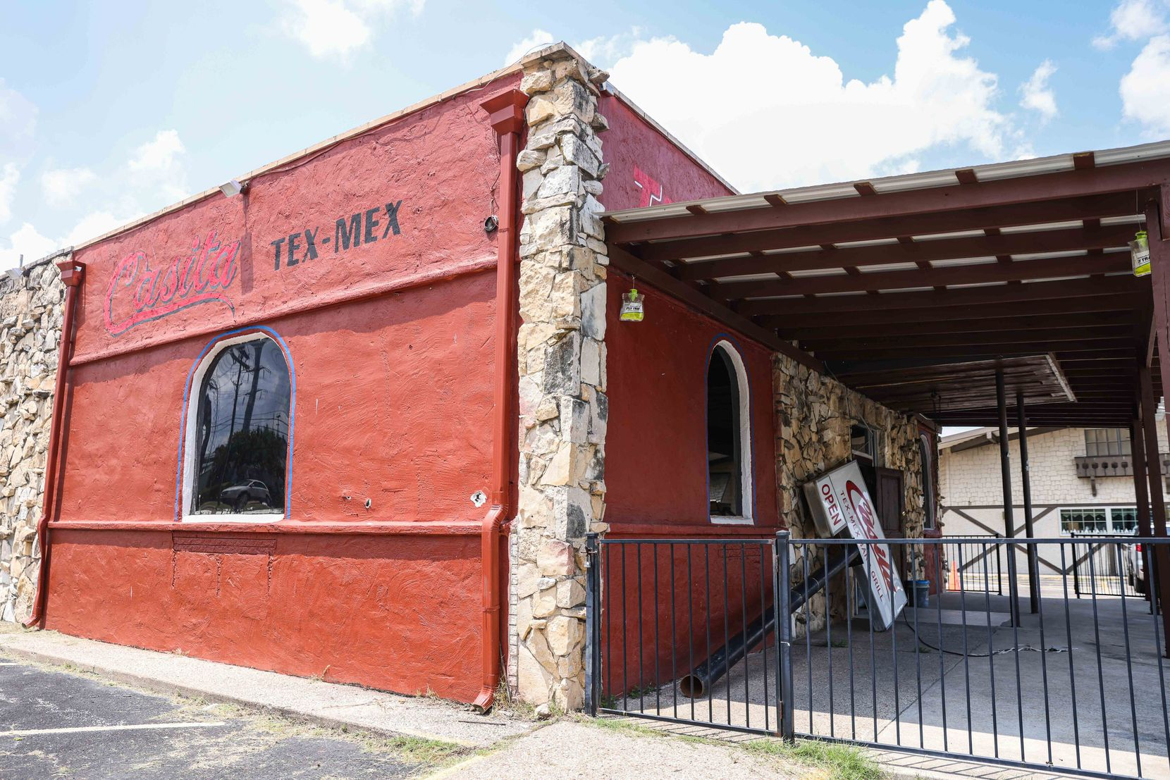 Casita Tex-Mex in Dallas had a bad fire at the end of 2020, and now the owners are rebuilding with plans to reopen.