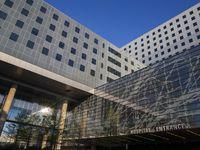 El Hospital Parkland cuenta con 870 camas, aunque esperaban habilitar más.