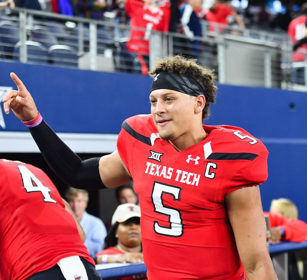 ARLINGTON, TX - NOVEMBER 25: Patrick Mahomes II #5 of the Texas Tech Red Raiders interacts with fans after the game against the Baylor Bears on November 25, 2016 at AT&T Stadium in Arlington, Texas. Texas Tech defeated Baylor 54-35. (Photo by John Weast/Getty Images)