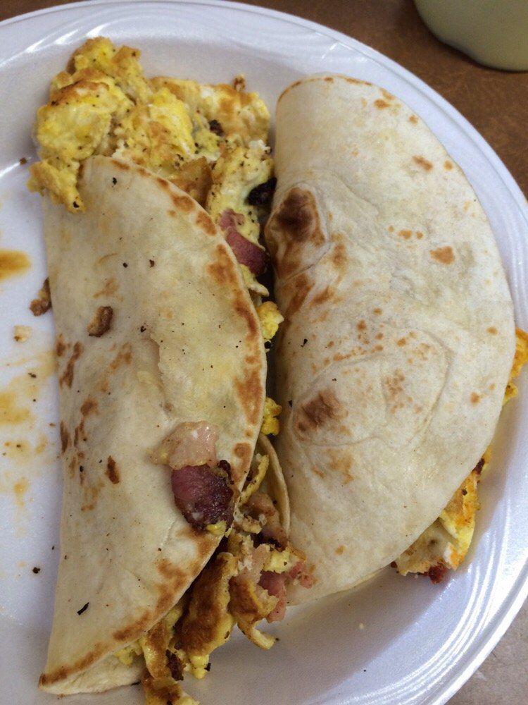 Breakfast tacos from Tacos la Banqueta