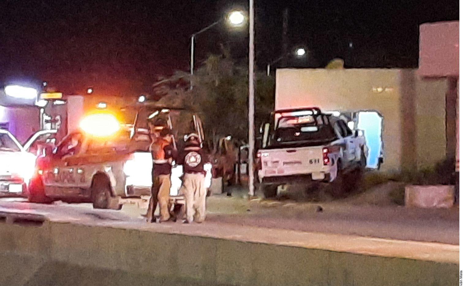 Una patrulla se impactó contra una casa en Escobedo, Nuevo León, y mató a dos personas, incluida una niña de 3 años de edad.