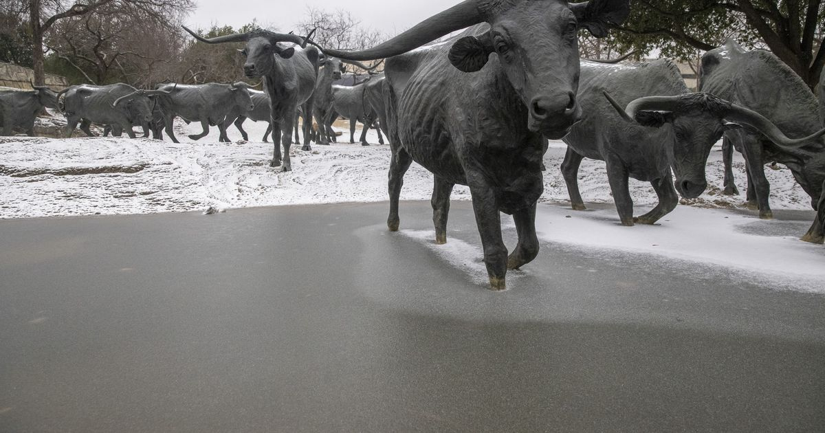 Snow accumulating across Dallas-Fort Worth, and much more expected