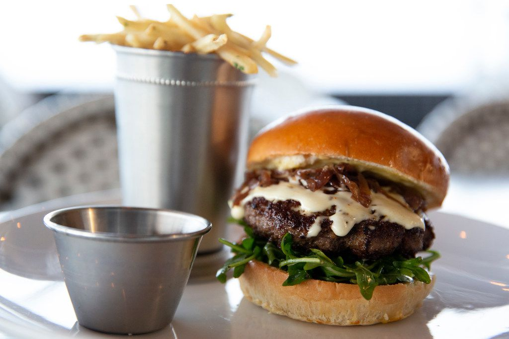 The RM 12:20 burger and frites