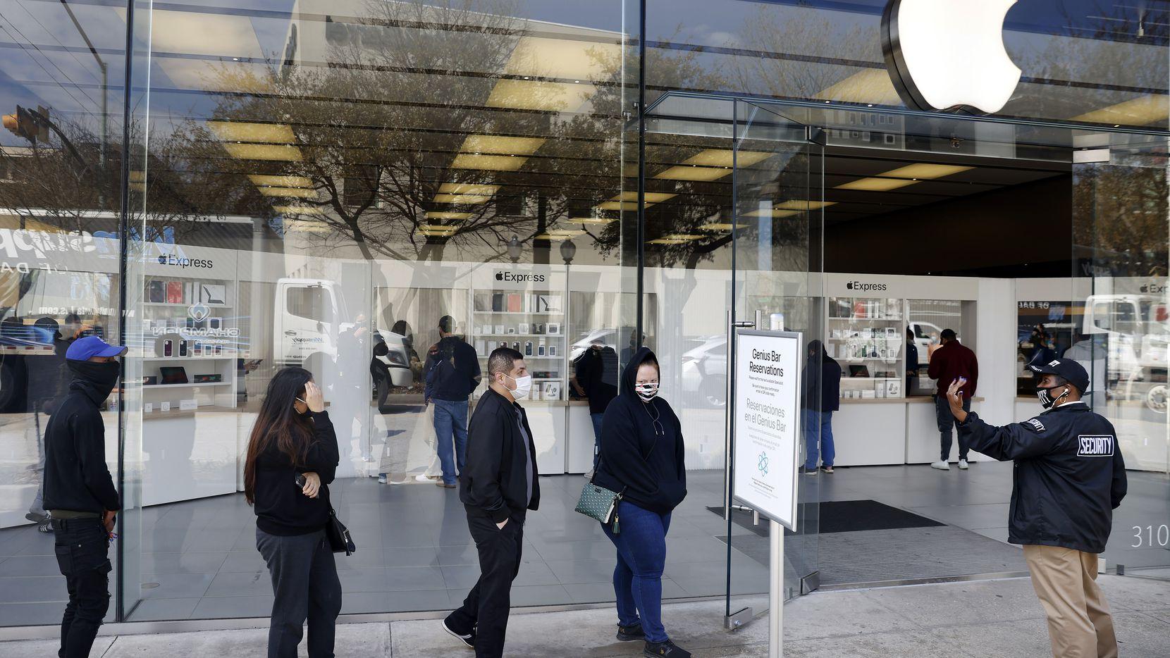 بازگشایی مجدد فروشگاههای اپل