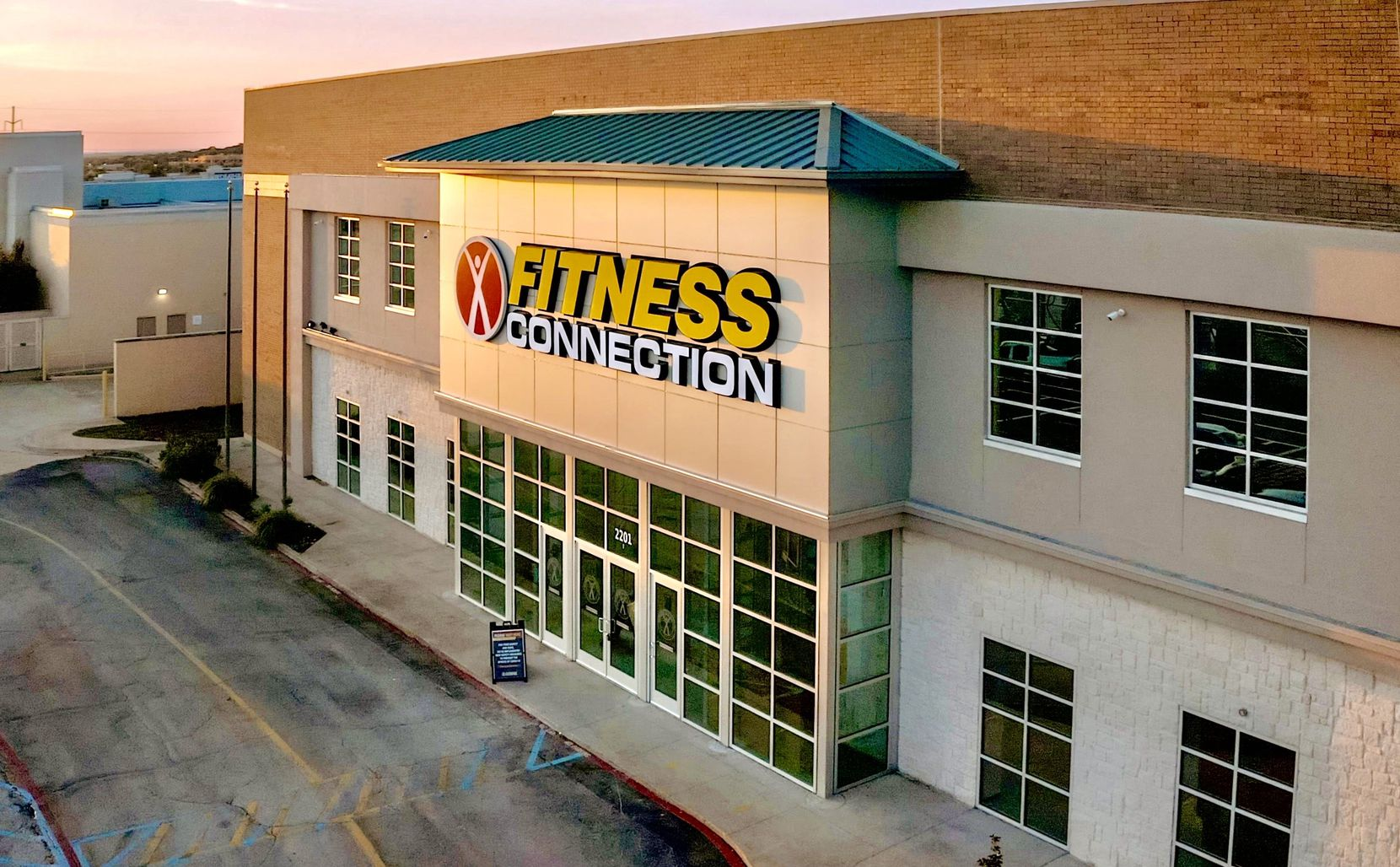 Fitness Connection has added locations in D-FW while other gyms have closed.