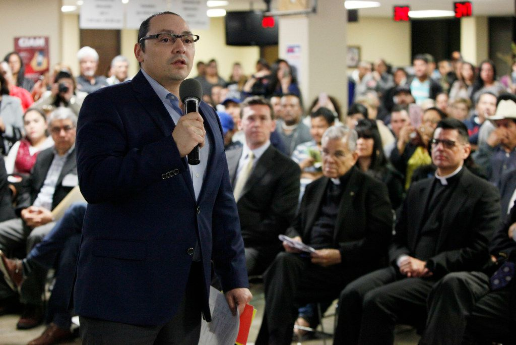 Francisco de la Torre, head of the Mexican Consulate in Dallas, addressed a town hall meeting on immigration issues in February at the consulate.