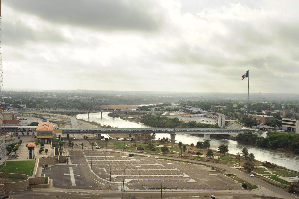 The border between Laredo (left) and Nuevo Laredo, Mexico.