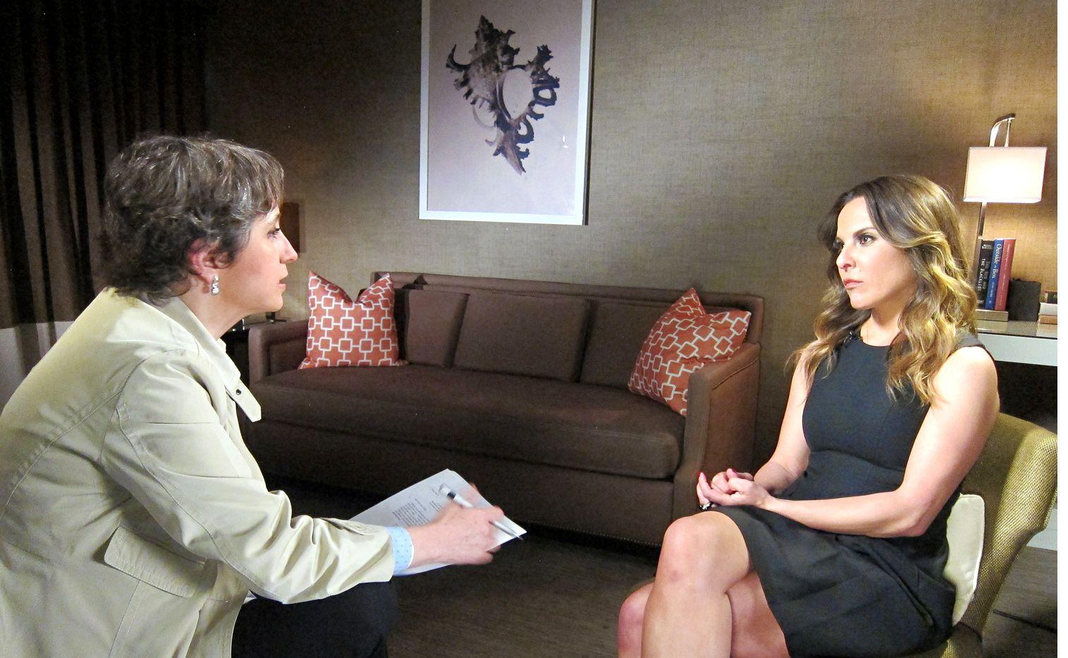 La actriz Kate del Castillo platicó con la periodista Carmen Aristegui en Los Ángeles./AGENCIA REFORMA