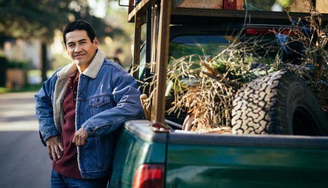 """Gabriel Porras es el protagonista de """"Bajo el mismo cielo"""", la nueva telenovela de Telemundo(Cortesía de Telemundo)"""