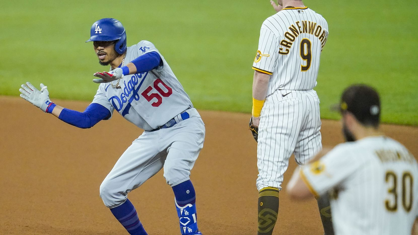 Dodgers cruise to 12-3 win in Game 3 of NLDS, sweep Padres