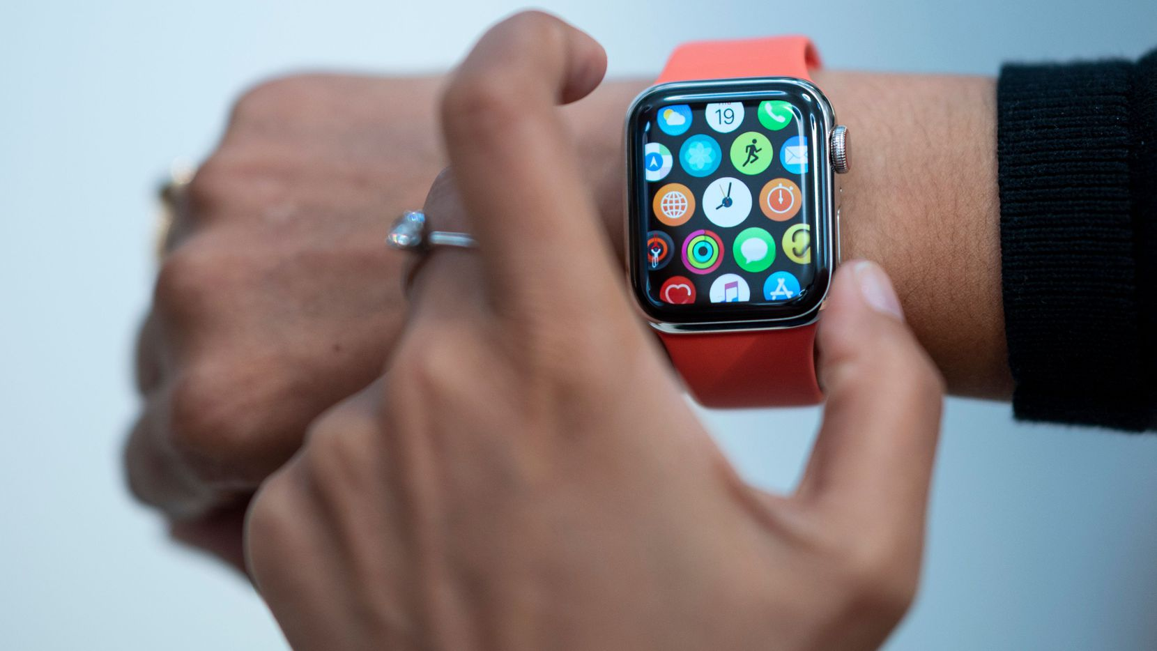 An Apple Watch keeps track of more than time, but should we count on it for medical alerts?