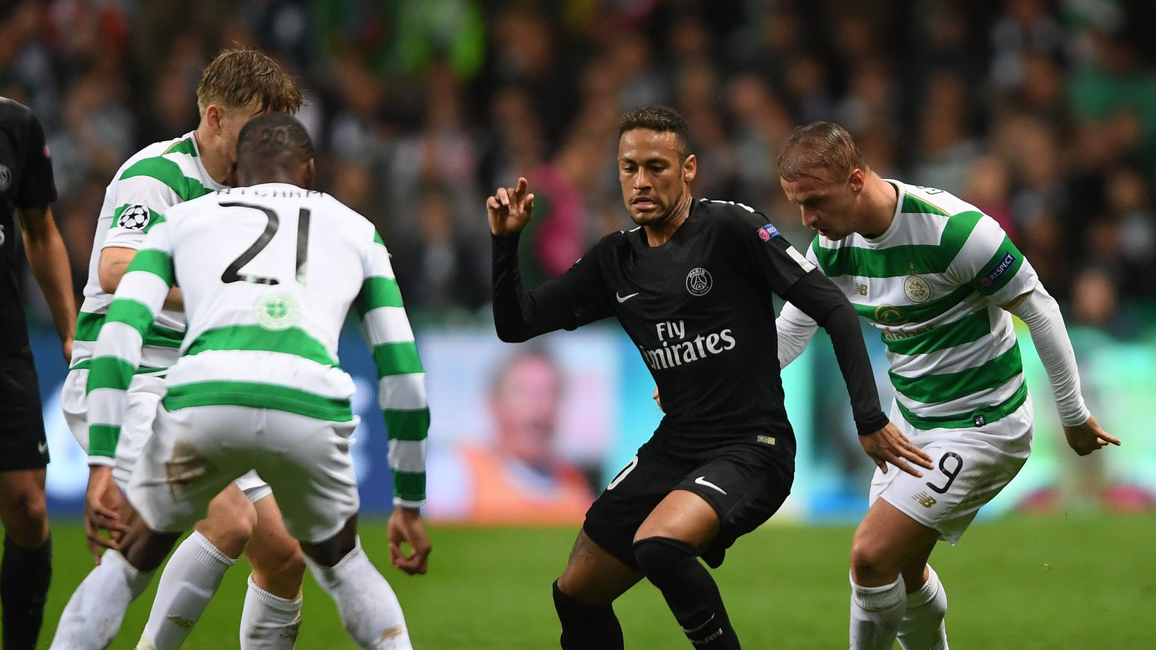 Neymar durante un partido entre Celtic y Paris Saint-Germain (MIKE HEWITT/GETTY IMAGES)