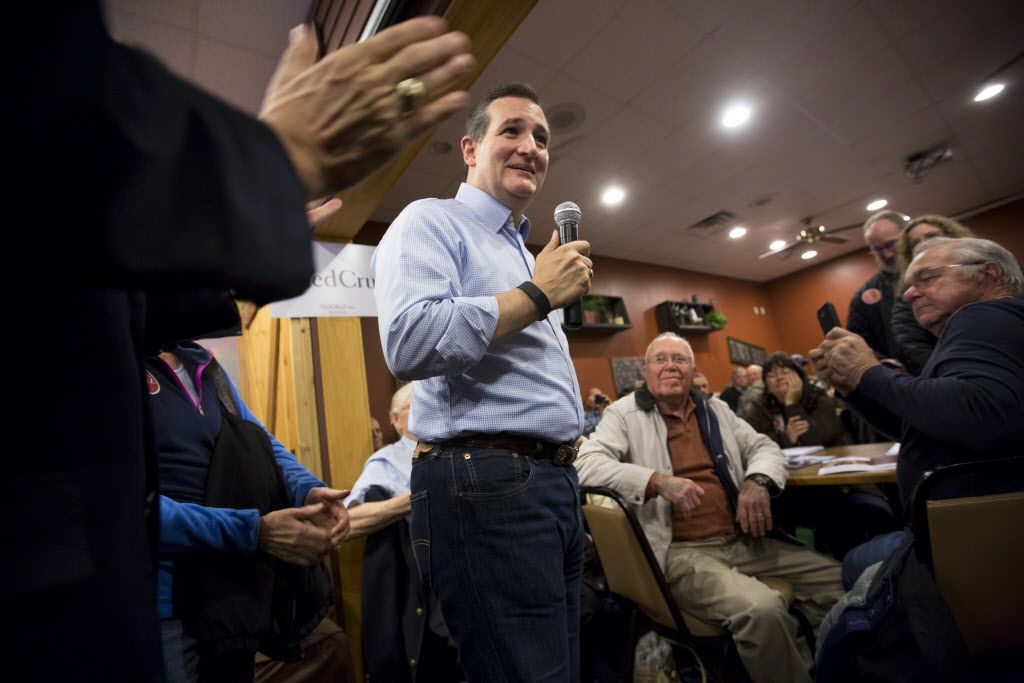 Sen. Ted Cruz (R-Texas), a Republican presidential hopeful, speaks during a campaign stop at a Pizza Ranch in Newton, Iowa, Nov. 29, 2015.