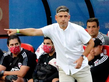 FC Dallas head coach Luchi Gonzalez points direction to his team during the first half as FC Dallas hosted the Seattle Sounders at Toyota Stadium in Frisco on Wednesday night, August 18, 2021.