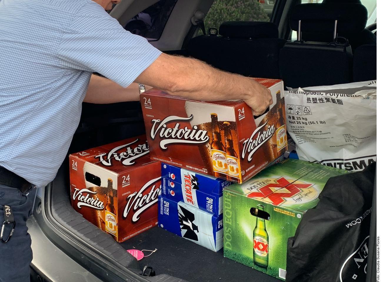 Las ventas de cerveza se intensificaron luego de que el Gobernador de Nuevo León dijo que, como la producción de alcohol no está entre los rubros de industria considerados esenciales, debe detenerse.