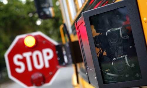 """Dallas County Schools, agencia encargada del transporte público, podría dejar de existir si en un referendo del martes gana el """"No"""". DMN"""
